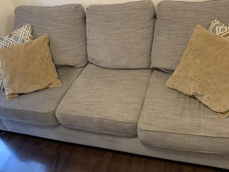 Couch for Sale in Roswell,  GA