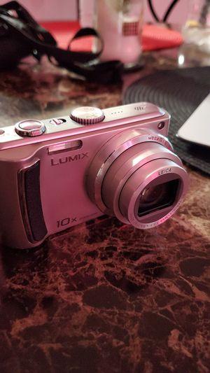 Panasonic Lumix DMC-ZS25 Digital Camera (Silver) for Sale in The Bronx, NY