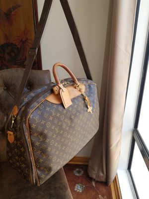 Authentic Louis Vuitton Duffle Alize Bandouliere 2 Poches Soft Suitcase for Sale in Los Angeles, CA