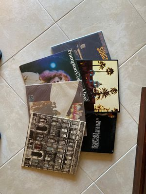Vinyl Records- 33's approximately 225 + albums from 70's and early 80's era for Sale in Kissimmee, FL