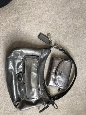 Silver COACH purse w/wallet for Sale in Clarksburg, MD