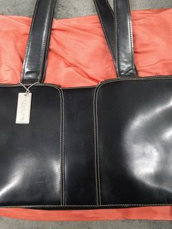 Kenneth Cole Reaction Shoulder Bag for Sale in Portland,  OR