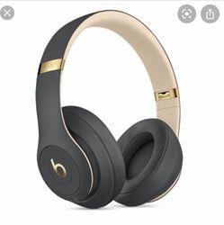 beats studio 3 wireless headphones for Sale in Vancouver,  WA