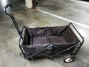 Four wheel basket that collapses and retractable handle 19 by 36 by 20 in tall. Long Beach 90814 cash only for Sale in Long Beach, CA