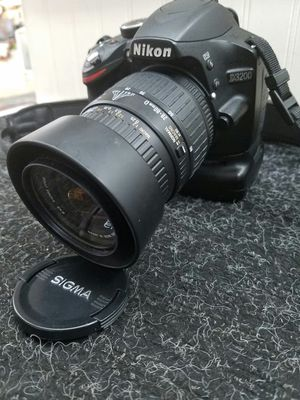 NIKON DIGITAL CAMERA - MODEL # D3200 for Sale in Clearwater, FL
