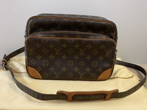 Louis Vuitton Nile crossbody bag for Sale in Fullerton, CA