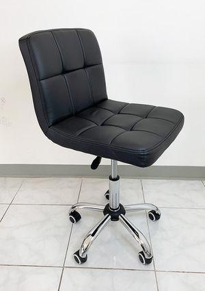"New in box $45 Salon Stool w/ Wheels Backrest Spa Medical Swivel Chair (Hydraulic Seat 18""-24"") for Sale in South El Monte, CA"