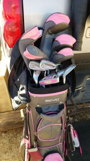 Zevo right handed golf clubs for Sale in TX, US