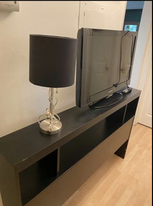 SAMSUNG TV & TV STAND for Sale in Los Angeles, CA