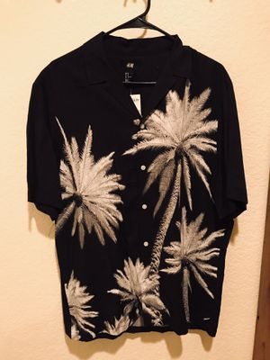 H&M Hawaiian Button Up Shirt for Sale in Anaheim, CA