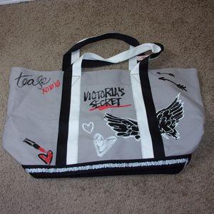 Victoria's Secret Tote Bag Love Victoria Gray NEW for Sale in Vancouver, WA