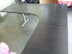 DESK TABLE WITH EXTENSIONS for Sale in Arcadia, CA