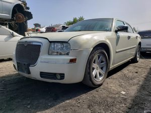 Chrysler 300 PARTING OUT for Sale in Fontana, CA