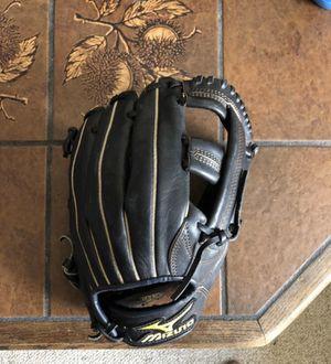 Mizuno Baseball Glove for Sale in Fontana, CA