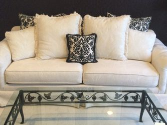 Sofa for Sale in Commerce Charter Township,  MI