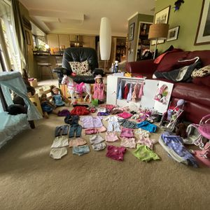 Lg Lot of American Girl Dolls/accessories for Sale in Tigard, OR