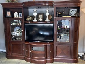 Entertainment system for Sale in St. Charles, IL