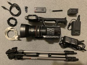 Panasonic AG-AC90 Full HD camera with tripod and accessories for Sale in Ocoee, FL