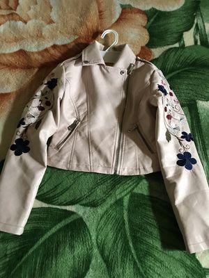 Chamarrita de piel para niña 7/8 for Sale in Newark, CA