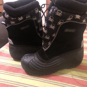 Kids Snow Boots Size 3 for Sale in Newport Beach, CA