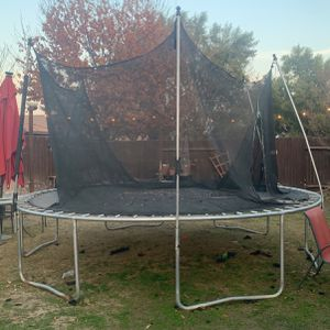 Trampoline for Sale in Bakersfield, CA