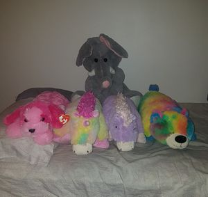 """""""Pillow Pals"""" Stuffed animals for Sale in Lynnwood, WA"""