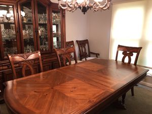 Dining Room Table & Chairs for Sale in St. Louis, MO