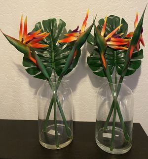 Set of 2 faux floral fake flowers birds of paradise plants in glass vases table centerpieces summer party decor patio furniture decorations for Sale in Mission Viejo, CA