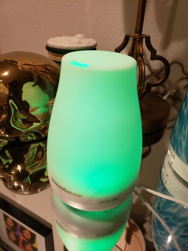 Aromatherapy oil diffuser lamp