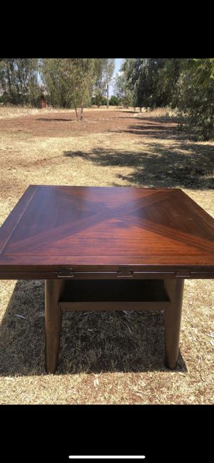 Extendable Kitchen table for Sale in Woodlake, CA