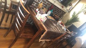 1 table and 5 chairs for Sale in Dearborn, MI