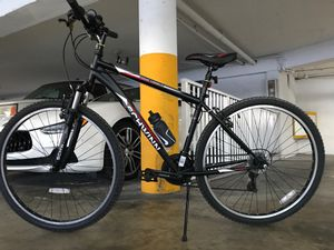 SCHWINN High Timber 29r Men's 29 inch Front/Susp Bike, Bicycle Black for Sale in Miami Beach, FL