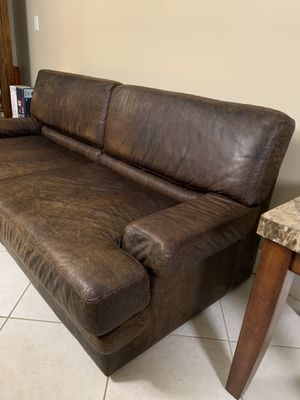 Genuine leather sofa for Sale in Pembroke Pines, FL