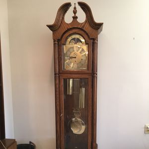 Howard Miller Churchill Floor Clock for Sale in McLean, VA
