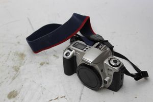 Canon EOS 2000 35mm Film Camera (body only) for Sale in Windermere, FL