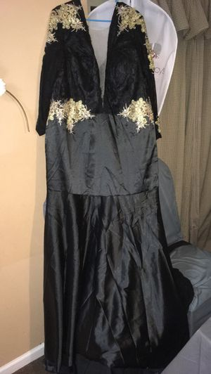 Plus size prom dress 2xl for Sale in Pittsburgh, PA