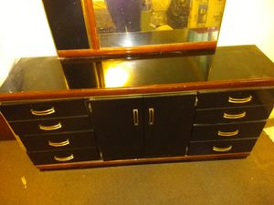 Dresser with mirror for Sale in Anchorage, AK