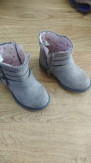 Size 5 toddler girls boots for Sale in Chula Vista, CA