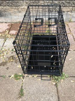 Small dog crate for Sale in Yukon,  OK