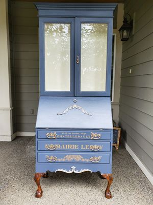 Gorgeous Seceetary Armoire Cabinet for Sale in Snohomish, WA