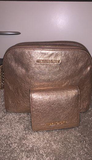 Michael kors purse and wallet set for Sale in Atlanta, GA