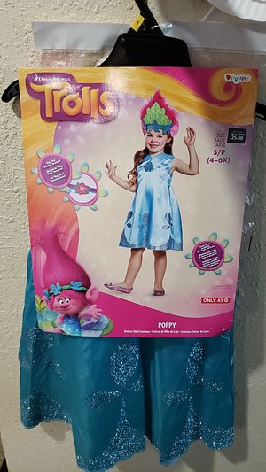 Princess Poppy costume fits sizes 4T to a small 5/6 for Sale in Sumner, WA