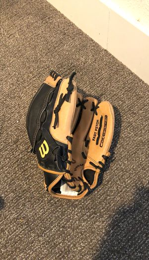 Wilson Fast Pitch 11 in Baseball Glove for Sale in Temecula, CA
