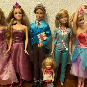 6 Barbie Dolls All With Clothes And Shoes (Well Taken Care Off) for Sale in Fort Lauderdale, FL