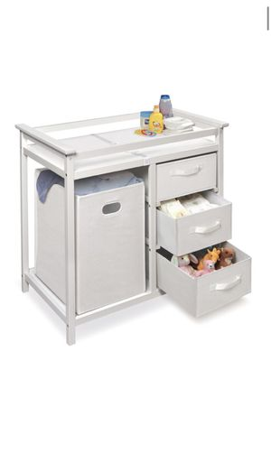 BRAND NEW CHANGING TABLE for Sale in Rancho Cordova, CA