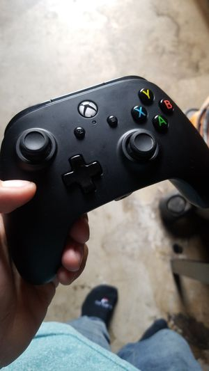 Power Xbox one controller, with 2ft usb cord for Sale in Fullerton, CA