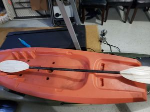 Youth kayak with paddle it just needs a cleaning for Sale in Lilburn, GA
