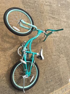 Girls BMX bike NEEDS FIXES THOUGH for Sale in Houston, TX