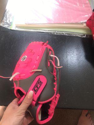Girls Baseball glove for Sale in Manteca, CA