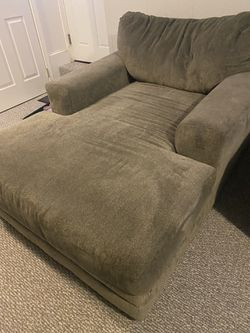 Gray Chaise for Sale in Holbrook,  MA